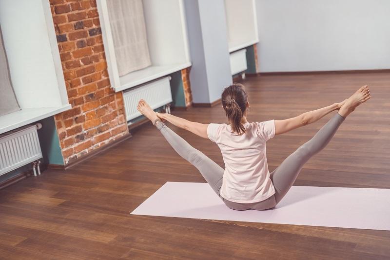 haladó astanga jóga fajta